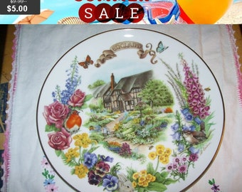 SALE Gardens of Beauty collectors Plate, English Country Garden Reco 1988 collector plate, home decor
