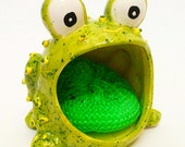 Green Frog Scrub, green frog, frog scrub,  home decor,  frog dish, soap holder, summer finds