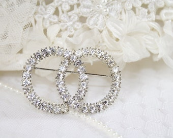 Vintage Rhinestone Double Circle Eternity Pin Vintage Rhinestone Brooch Perfect For Any Occasion