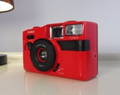 Vintage Camera Konica Dr. Finder Lomo Retro style Camera in black and red color with the case Made in Japan