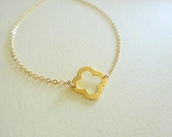 Gold Bracelet, Simple Gold Bracelet, Gold Clover Bracelet, Bridesmaids Bracelet, Bridesmaids Jewelry Gift, Gold Jewelry, Thin Gold Bracelet