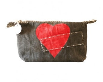 Ali Lamu Large Clutch Charcoal Heart Red