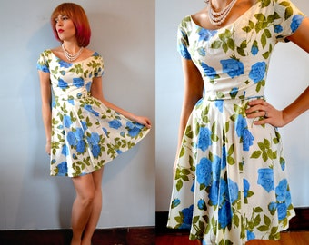 Vintage 50s 60s / Rare Mini Length / Rockabilly / Full Circle / Skater Dress / Blue and White Floral / S XS / Prom / Party / Skirt