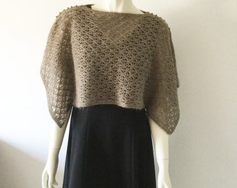 Cape, handknitted with a QIVIUT  and Suri alpaca blend (90-10)
