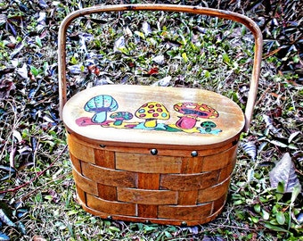 VTG- Fun, Adorable, 1960s, Hand-Painted, Wooden Basket Handbag in Sixties Caro Nan Style with Painted Mushrooms, Vintage Hippie Basket Purse