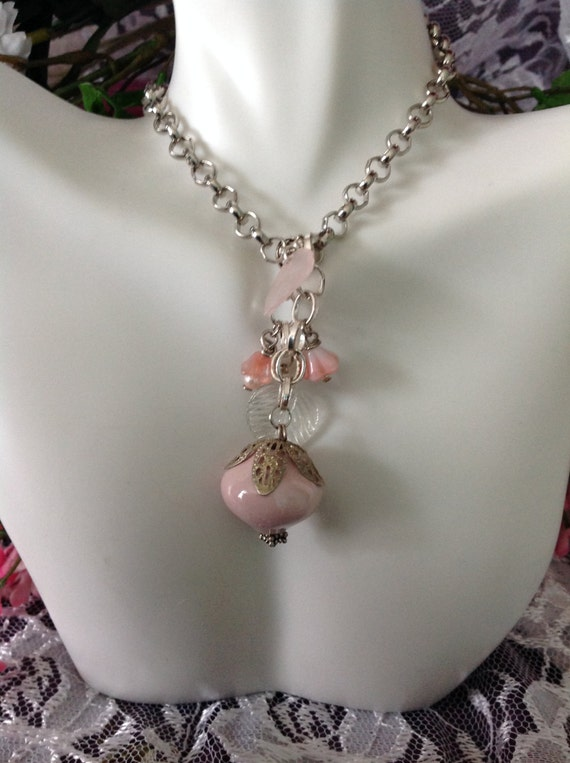 NECKLACE - Peach Glass Bead With Leaves and Flowers