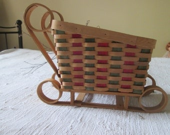 Wooden sleigh braided vintage Christmas / Christmas Vintage braided wooden sleigh