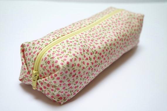 Small cotton zipper pouch Pencil case/ makeup bag fully