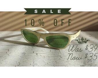 Vintage cream pearlite Italian sunglasses