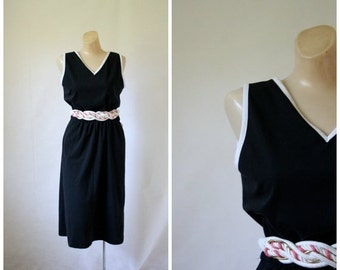 Sale 1970's Dress / Vintage Dress / Little Black Dress / LBD / Vintage 1970's Dress S/M
