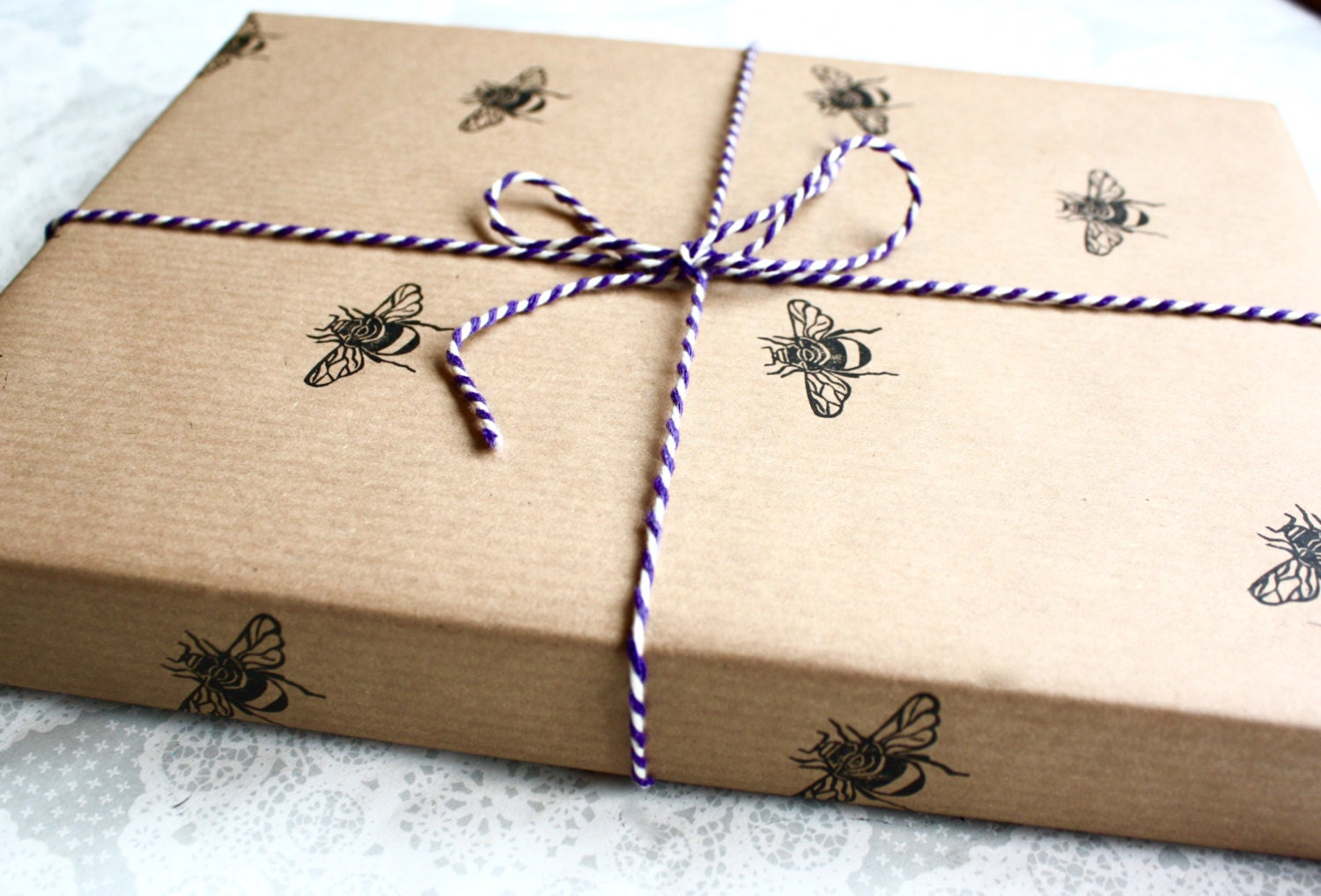 Bumble bee wrapping paper | Gift wrap sheet | Insect ...