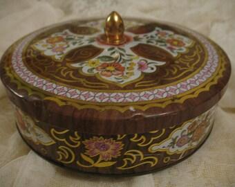 Round metal box Daher England