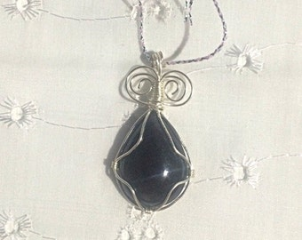 Wire Wrapped Onyx Pendant Silver Plated