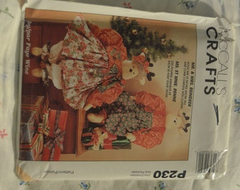 McCalls P230 Mr and Mrs 33 Inch Reindeer Sewing Pattern   UNCUT