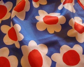 Sixties Rayon Scarf of Orange and White Daisies on Blue