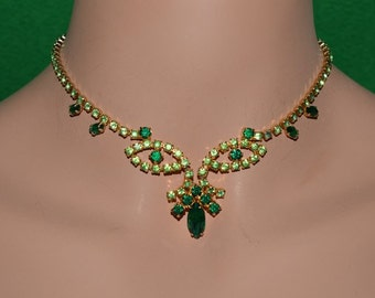 Vintage  Signed Continental  Emerald  Peridot Rhinestones Glass  Necklace Canada. 1950-1960s.