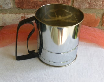 Vintage Flour Sifter - Androck, Made in USA, Great Handle - Fabulous!