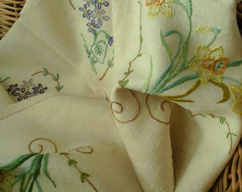Pretty embroidered vintage tablecloth with Daffodils & Violets.