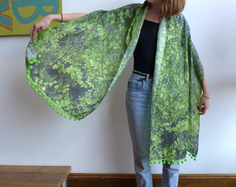Leaf Shawl with Bobbles