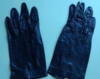 Vintage 1960's Black Leather Wrist Length Ladies Gloves