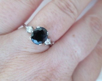 Lovely Vintage Sapphire with side Diamonds in Platinum Ring: Size 6.25