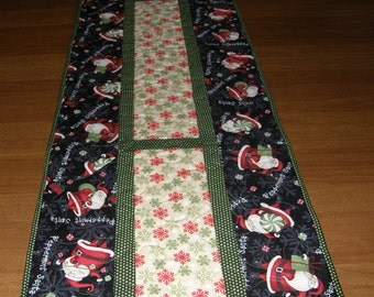 Christmas Santa Quilted Table Runner, Quiltsy Handmade, Red Table Topper, Holiday Quilted Table Runner, Christmas Decor, Red Green Quilt