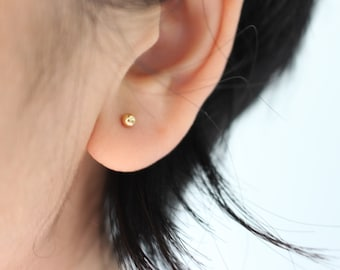 Tiny Gold dot Earrings - minimal