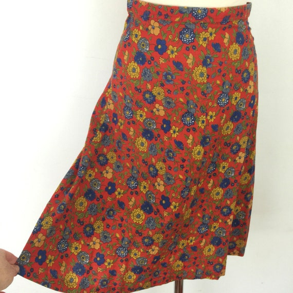 """Vintage floral skirt high waisted red cotton flowery UK 8 US 4 1970s does early 1940s high waist mustard flowers 25"""""""