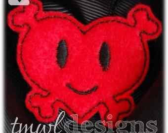 "Heart & Crossbones Gothic Feltie Digital Design File - 1.75"""