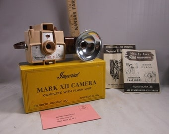 Imperial Camera Vintage Beige Mark Xll  Camera With Flash Mint In Box 620 film.Not Tested epsteam