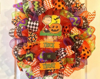 Halloween Wreath/ Snoopy Halloween Wreath/ Halloween Deco Mesh Wreath/ Peanuts Halloween Wreath