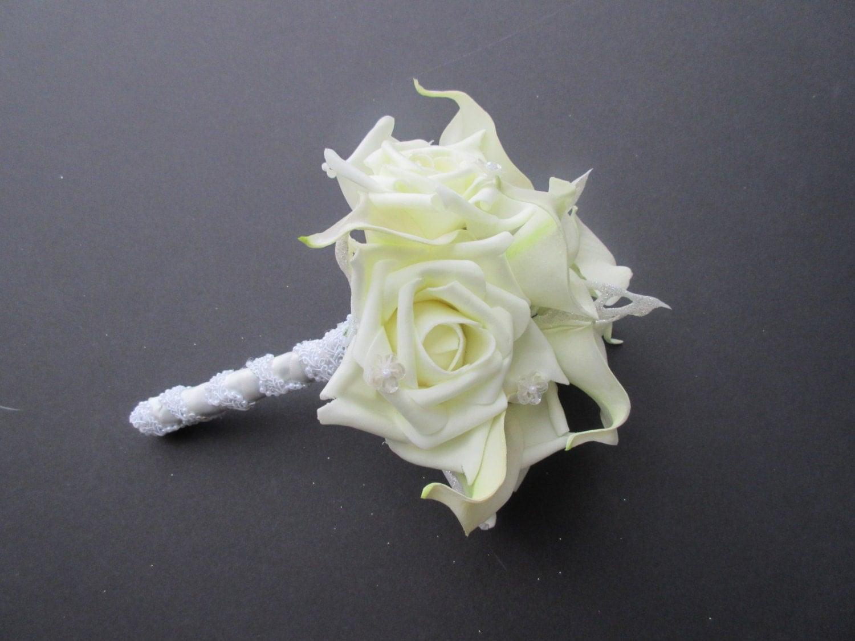 Bridal Bouquet Throwing : Wedding toss bouquet throw away