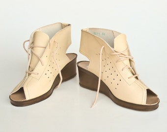 Vintage Genuine Leather Shoes / Wedges / Open Toe Lace Up Wedge Platform Shoes / Light Brown - Beige / Made In Yugoslavia