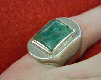 Sterling Silver 925 Exquisite Large Green Stone Size 6.25 ET 6118