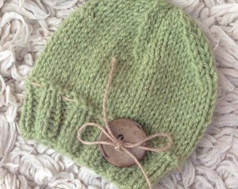 CLEARANCE SALE! Baby knit hat, 3-6 monts, Handmade, Button, Hat