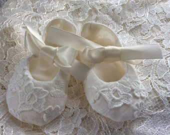 ONE of a KIND Antique White Cotton Embroidered Baby Baptism Christening Booties Shoes