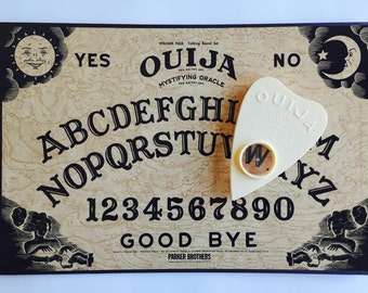 1992 Parker Brothers OUIJA Board Mystifying Oracle