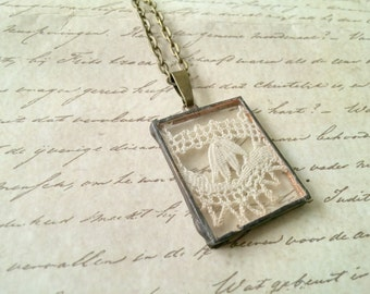 Vintage lace necklace ladies shabby chic jewelry vintage textile necklace boho necklace
