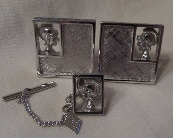 Sarah Coventry Heraldic Cuff Links 5972 and Tie Tac 5971 Set   Vintage,  Silvertone
