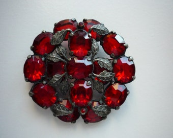 Antique Victorian Round Floral Faceted Red Rhinestone Silver Tone Brooch Pin