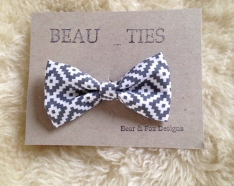 Baby Boy Toddler clip-on bow tie grey and white aztec