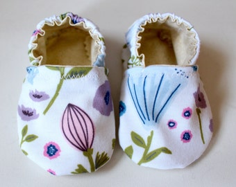 Baby Booties Floral Print