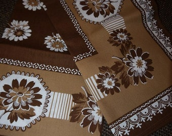 Table cloth -70s - Finlayson- Brown - Flower - Retro