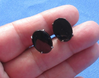 Vintage Black Glass Oval Shaped Cuff Links