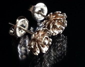 Chrysanthemum flower post earrings recycled 925 SILVER