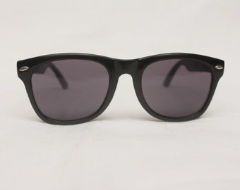 "90's Vintage ""RISKY"" Wayfarer Sunglasses (Men's Exclusive)"