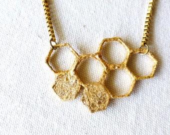 Honeycomb Colar