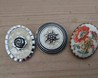 Lot of three vintage scarf clips