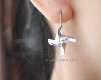 Pinwheel Playtime TITANIUM hook earrings in gold or silver finish