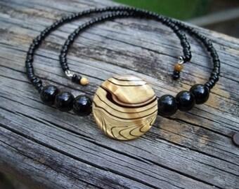 Amber Shell Choker Necklace